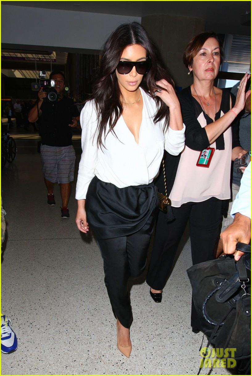 kim kardashian flies out of town amid new wedding rumors 083101777