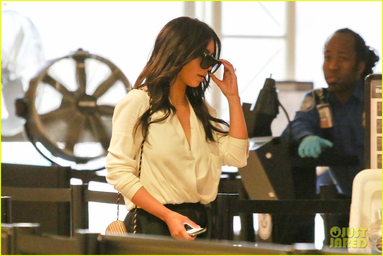 kim kardashian flies out of town amid new wedding rumors 143101783