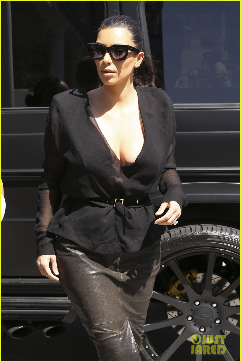 kim kardashian goes shopping for bikinis with mom kris jenner 11