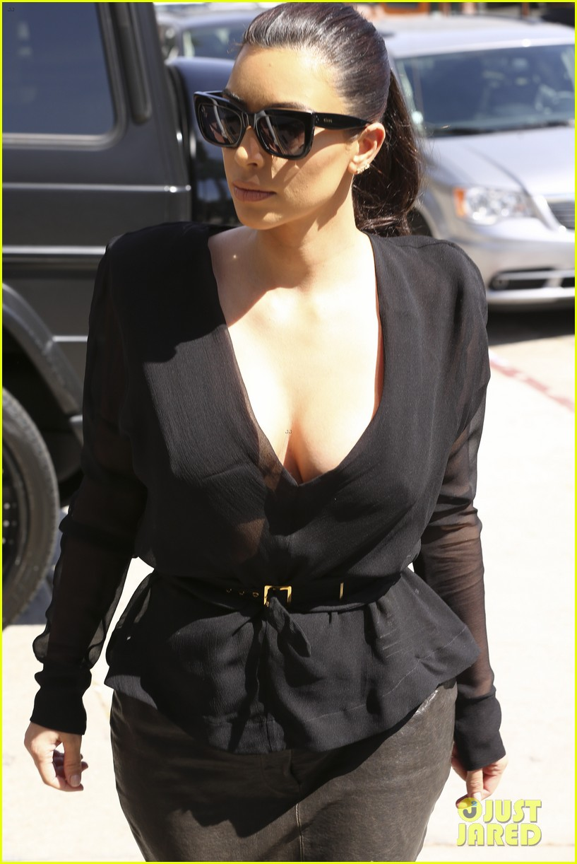 kim kardashian goes shopping for bikinis with mom kris jenner 25