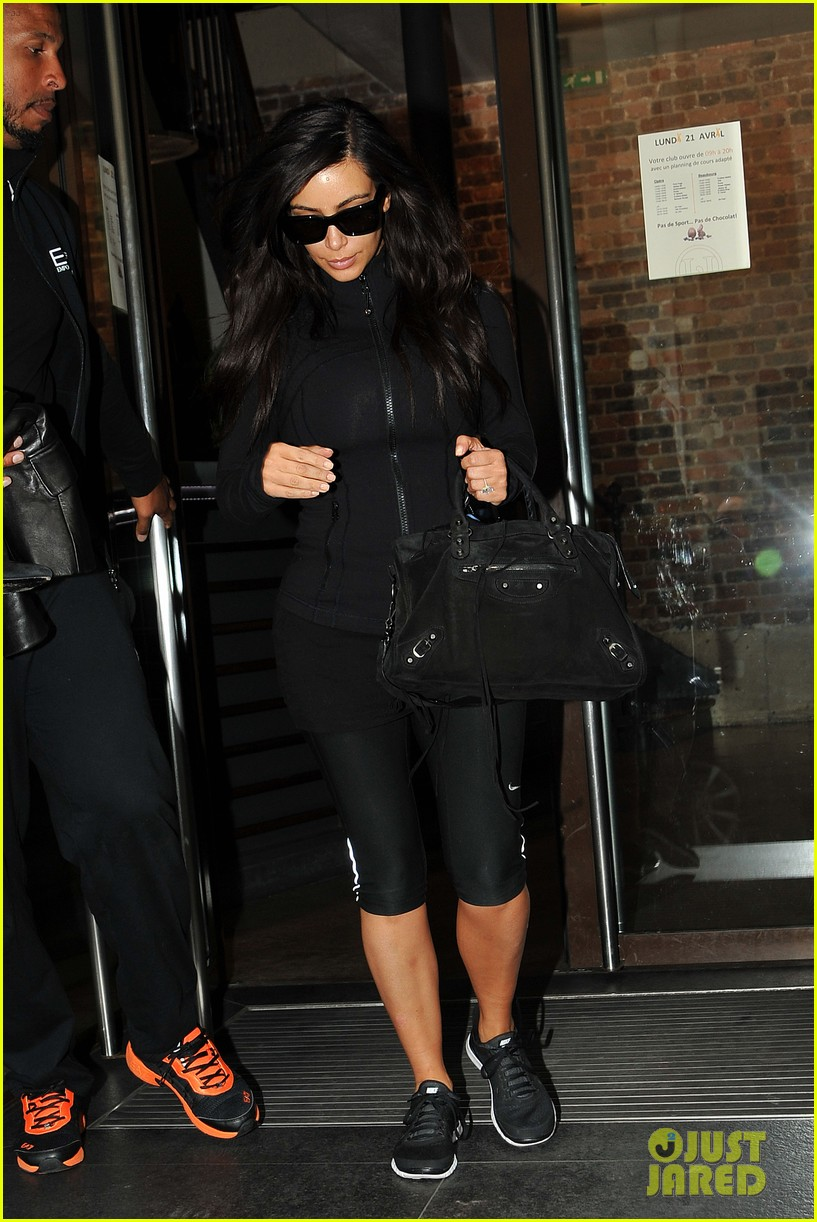 kim kardashian kanye west work out have lunch in paris 05