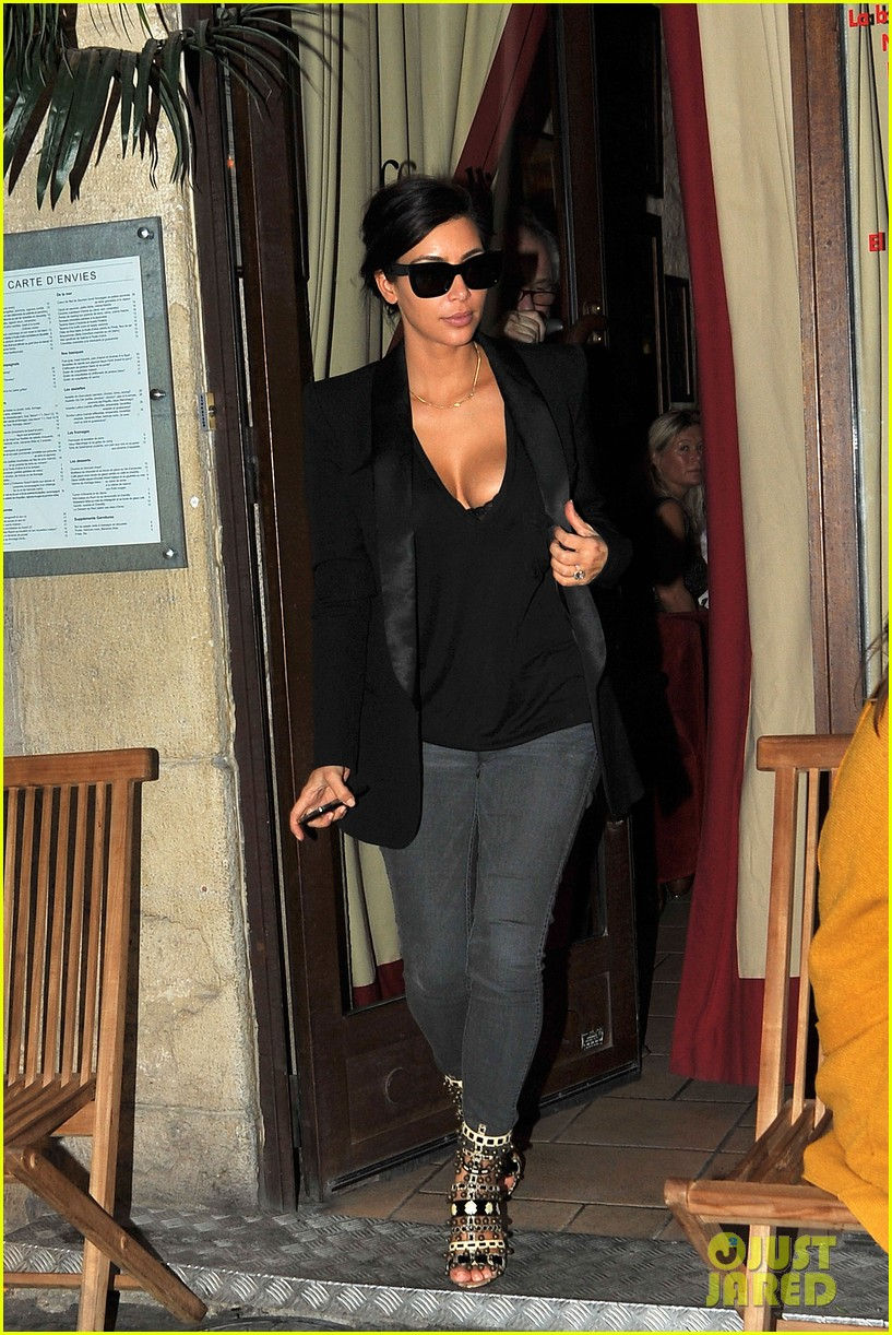 kim kardashian kanye west work out have lunch in paris 143091794