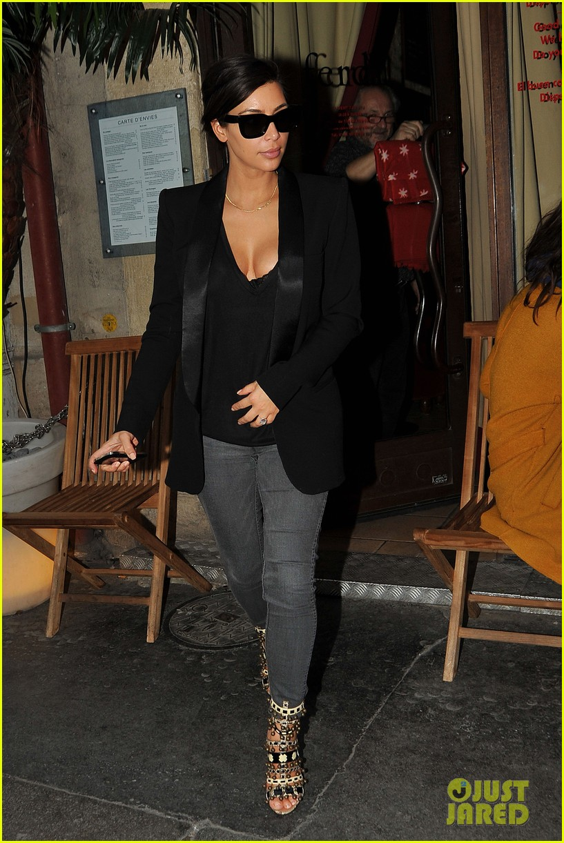 kim kardashian kanye west work out have lunch in paris 163091796