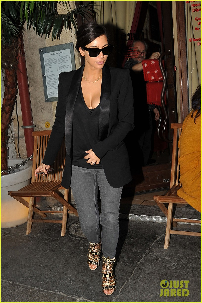 kim kardashian kanye west work out have lunch in paris 17