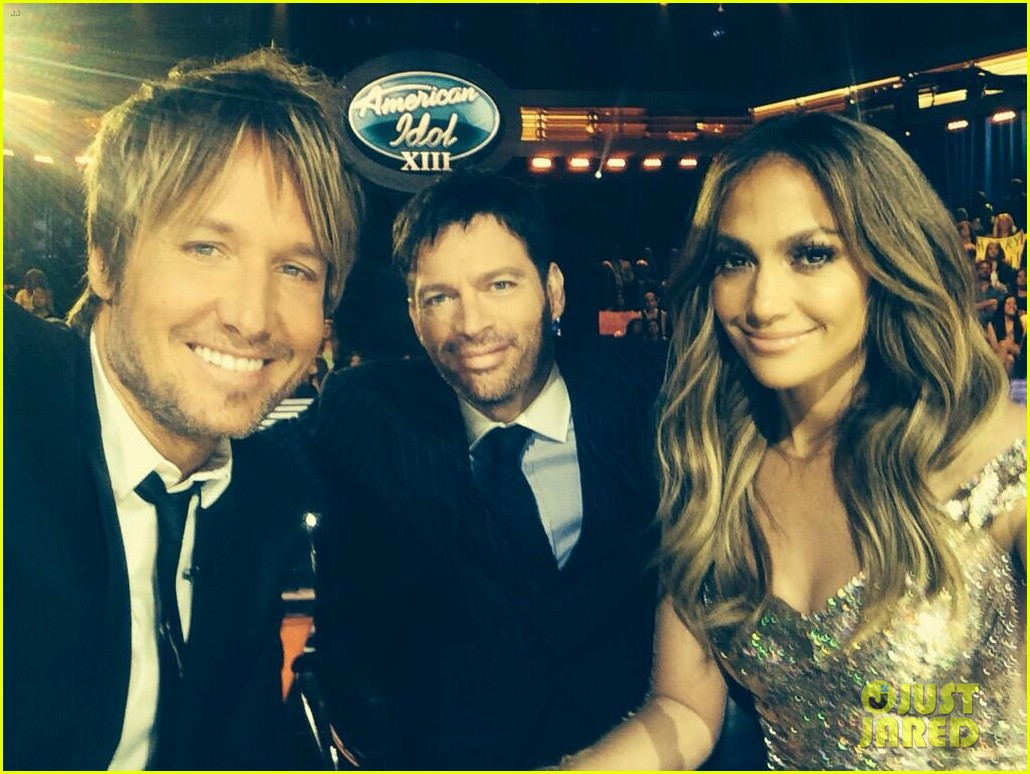 keith urban finally wears a suit on american idol 023098678