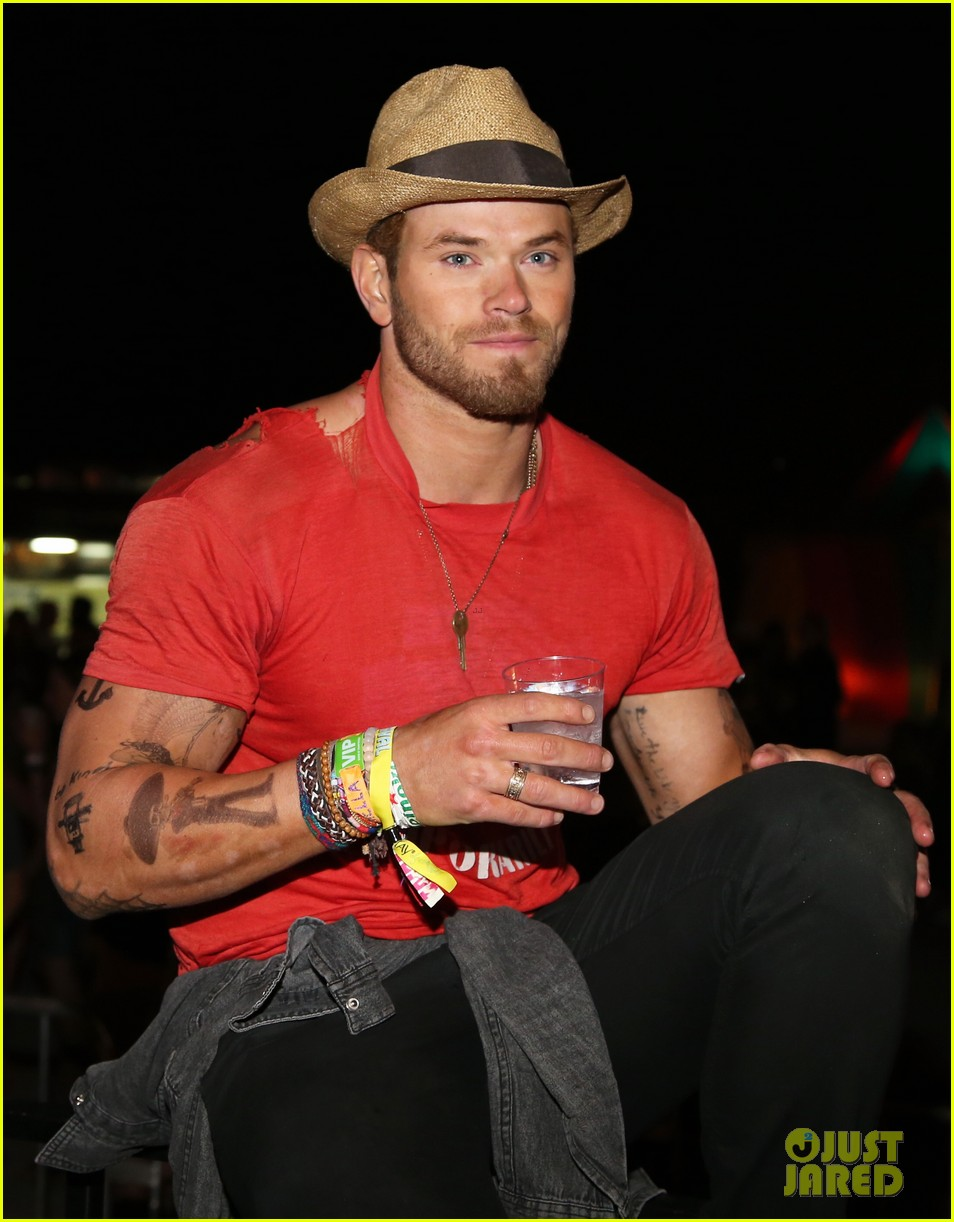 kellan lutz temporary tattoos neon carnival 01