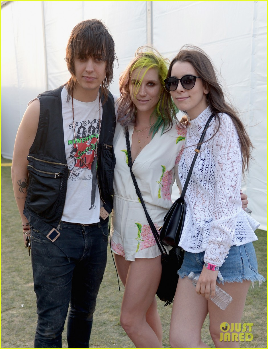 kesha celebrates her recovery with music at coachella 043090100