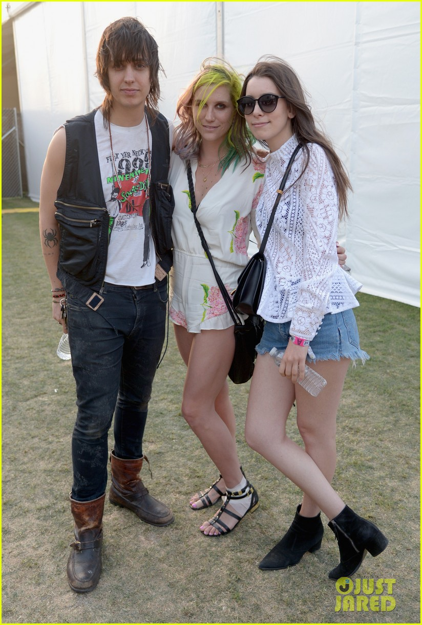 kesha celebrates her recovery with music at coachella 143090110