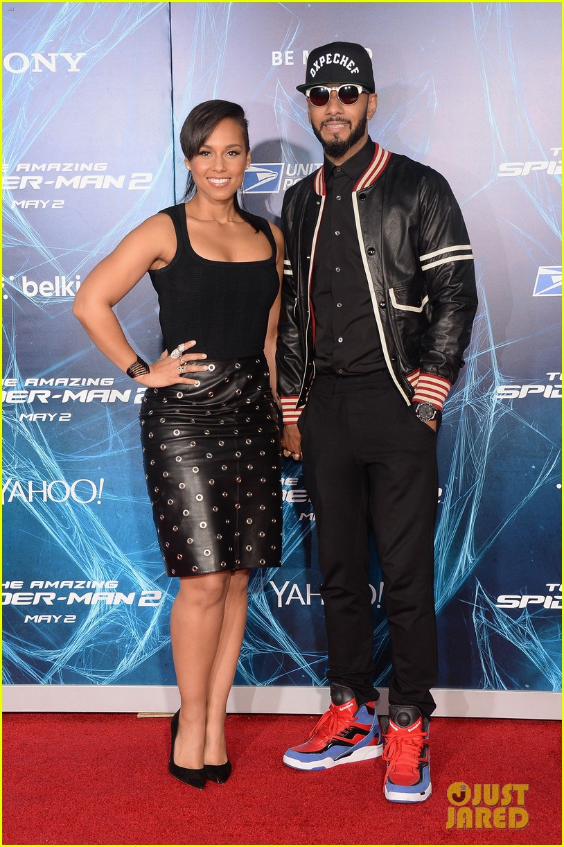 http://cdn01.cdn.justjared.com/wp-content/uploads/2014/04/keys-spider/alicia-keys-pharrell-williams-amazing-spider-man-2-premiere-01.jpg