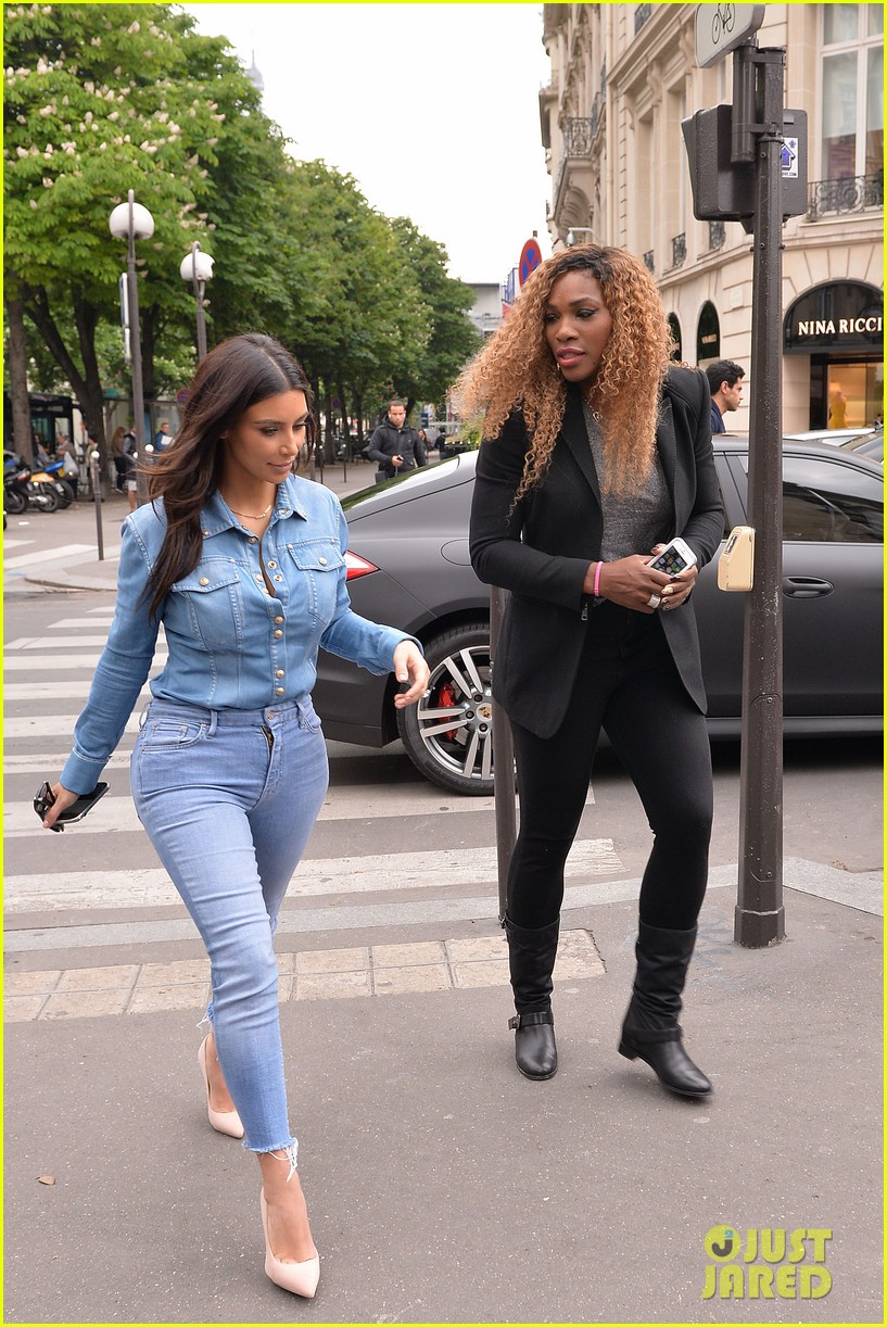 kim kardashian does double denim for lunch with serena williams 01