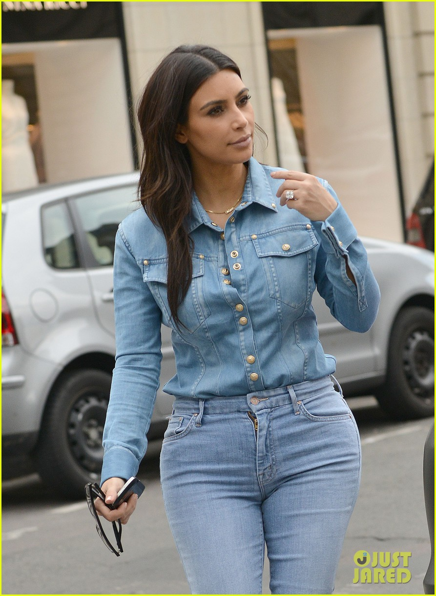 kim kardashian does double denim for lunch with serena williams 023102325