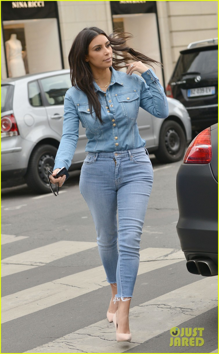 kim kardashian does double denim for lunch with serena williams 033102326
