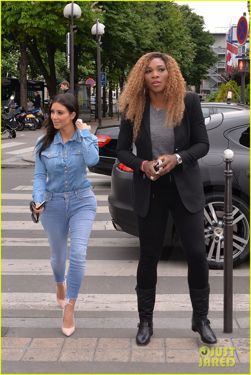 kim kardashian does double denim for lunch with serena williams 073102330