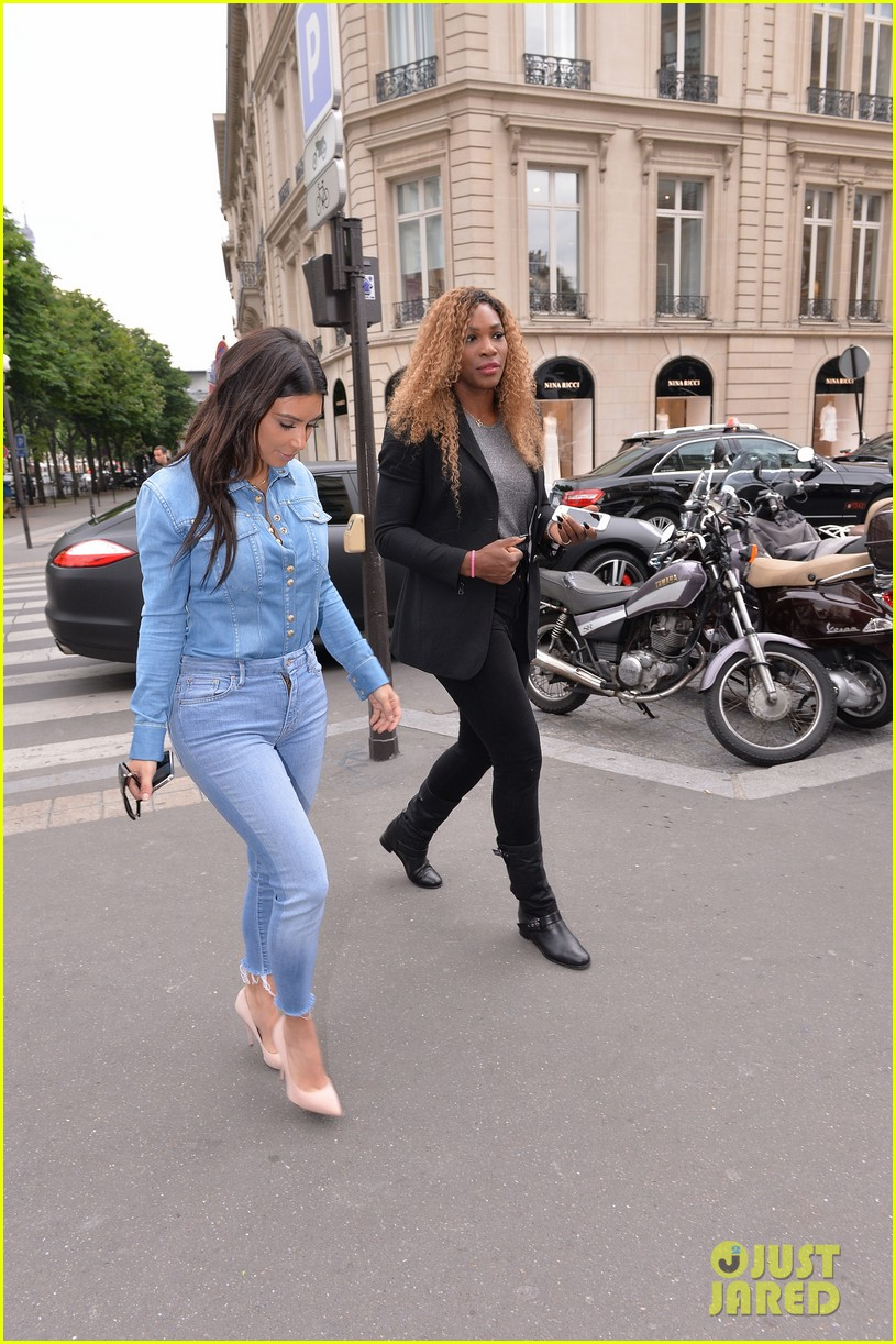 kim kardashian does double denim for lunch with serena williams 103102333