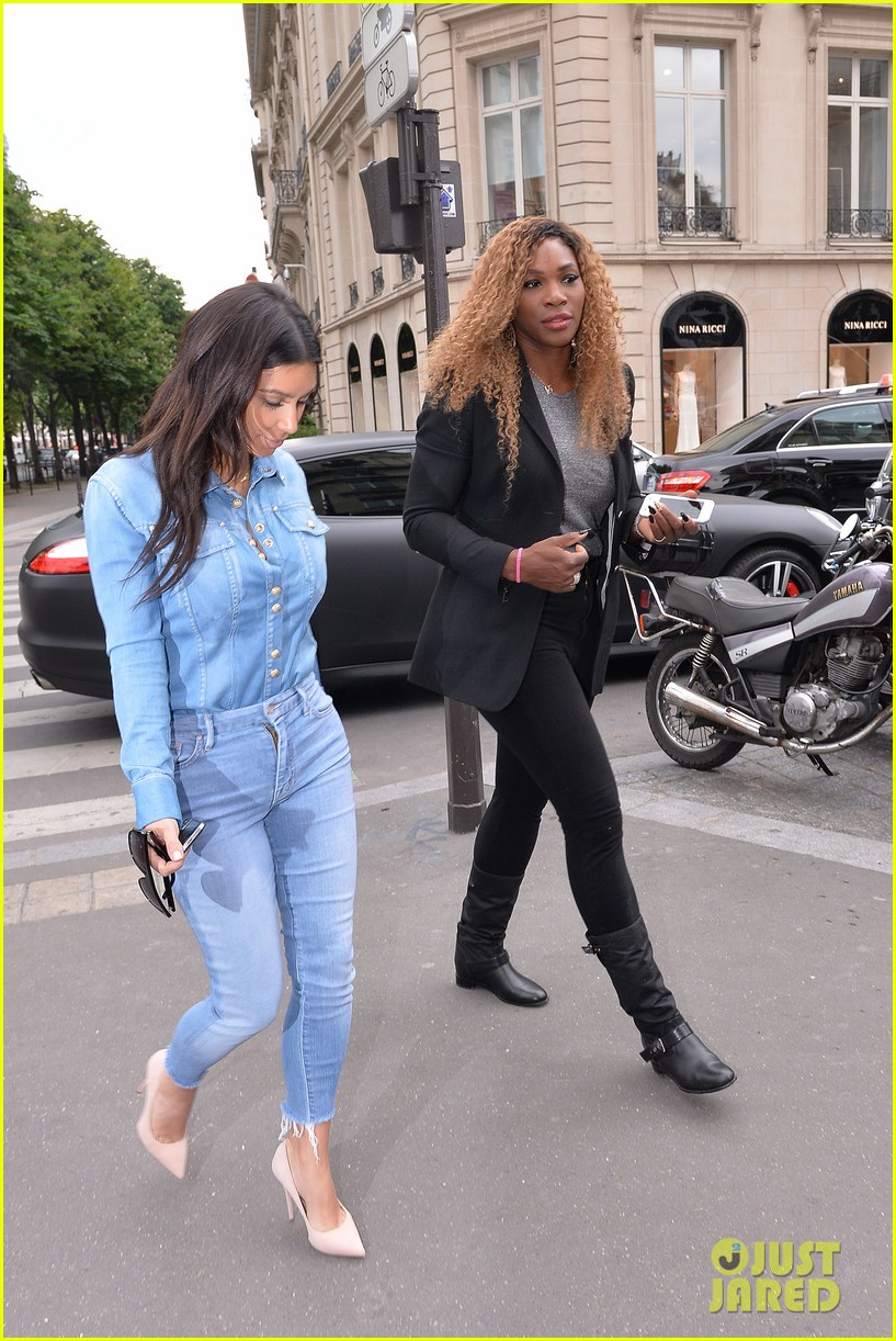 kim kardashian does double denim for lunch with serena williams 113102334
