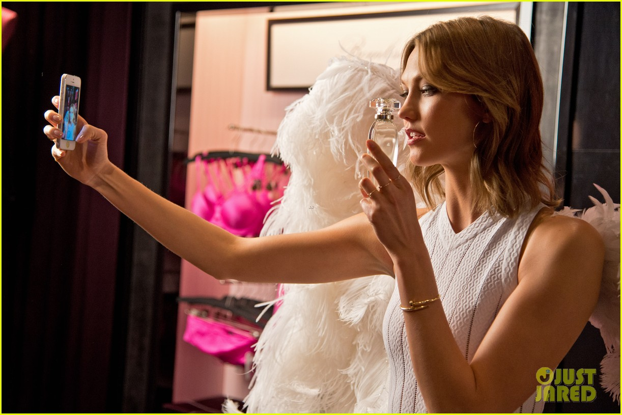 karlie kloss spreads her wings at victorias secret heavenly launch 063102213