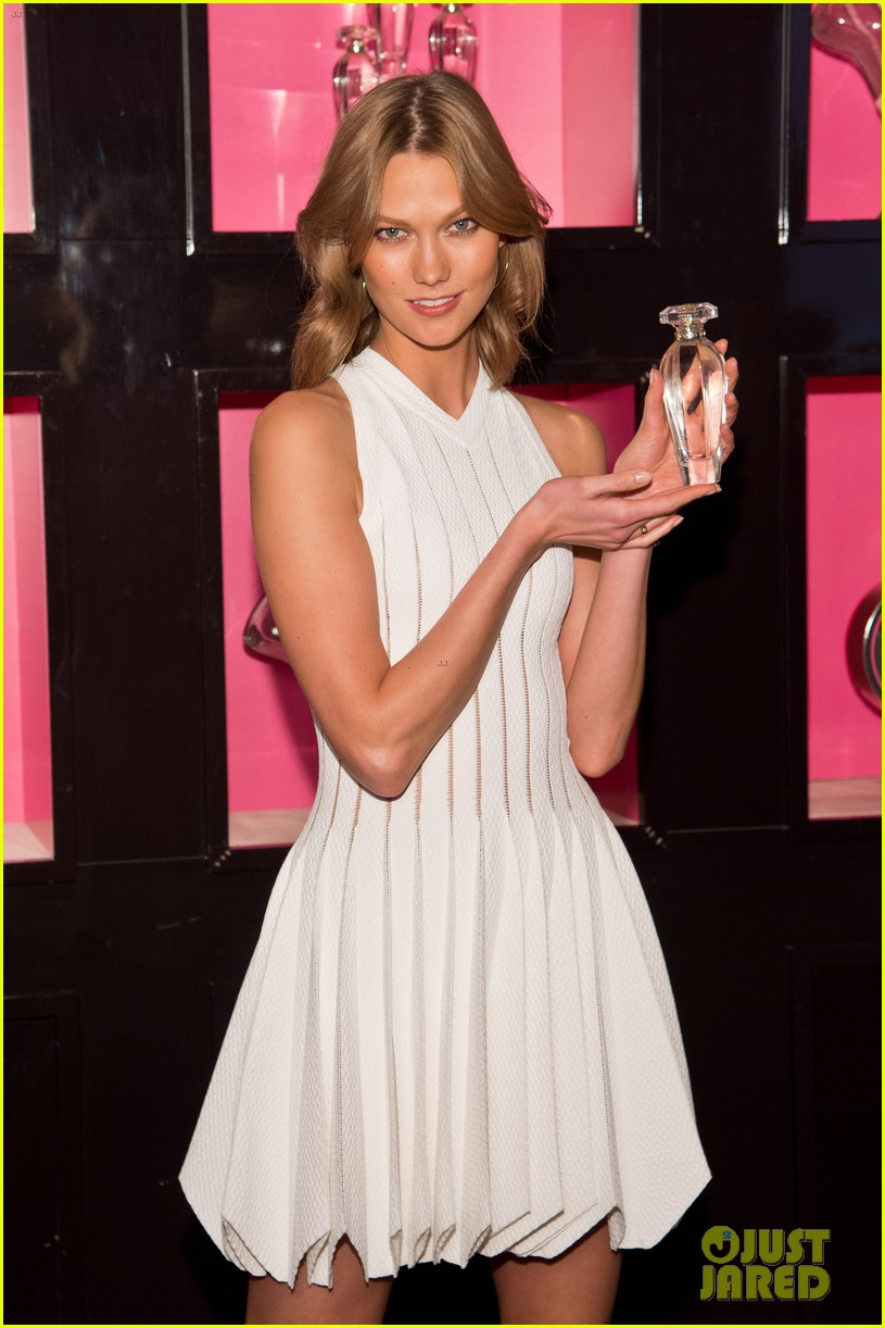 karlie kloss spreads her wings at victorias secret heavenly launch 083102215