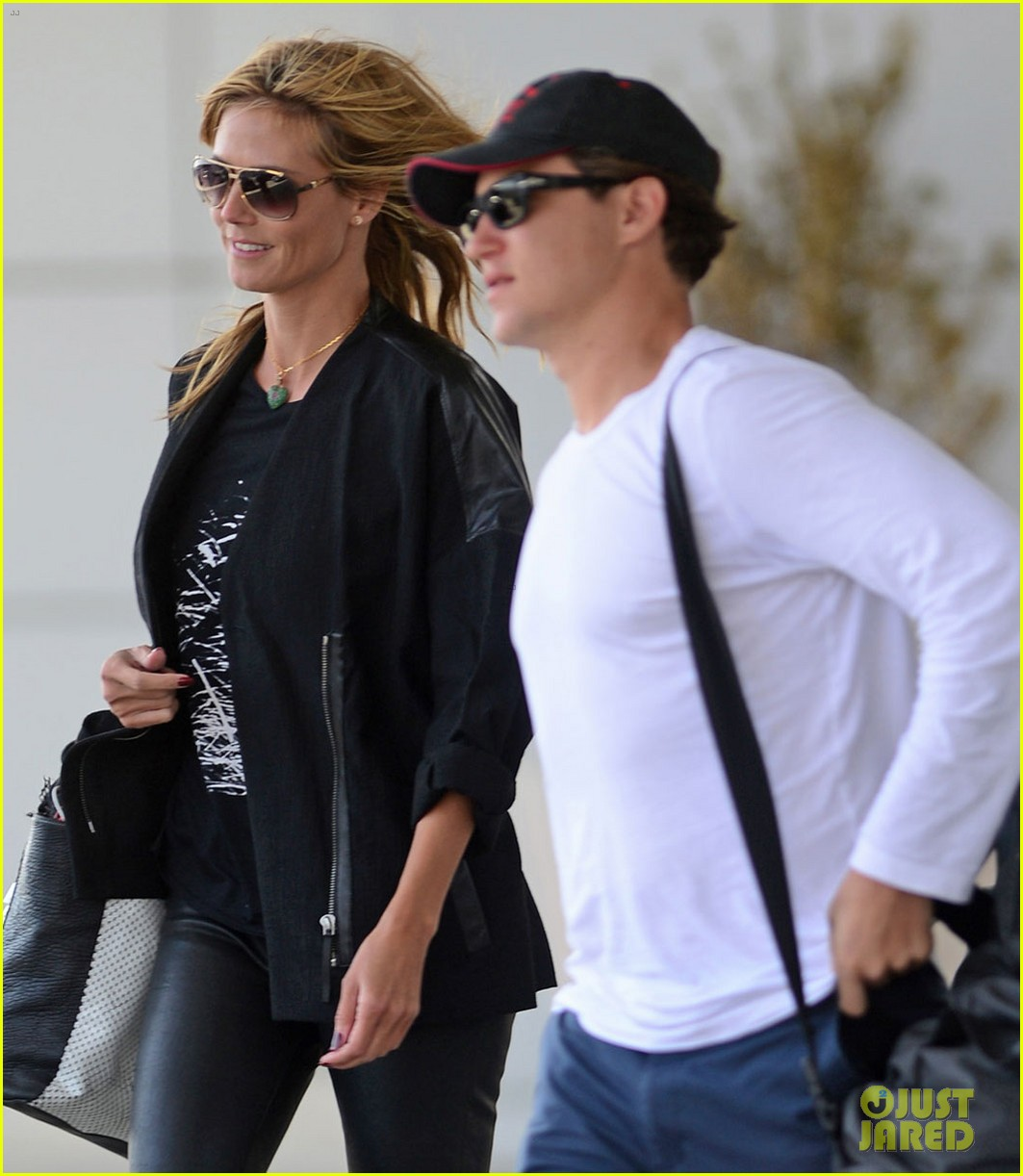 heidi klum boyfriend vito schnabel home after mexico vacation 01