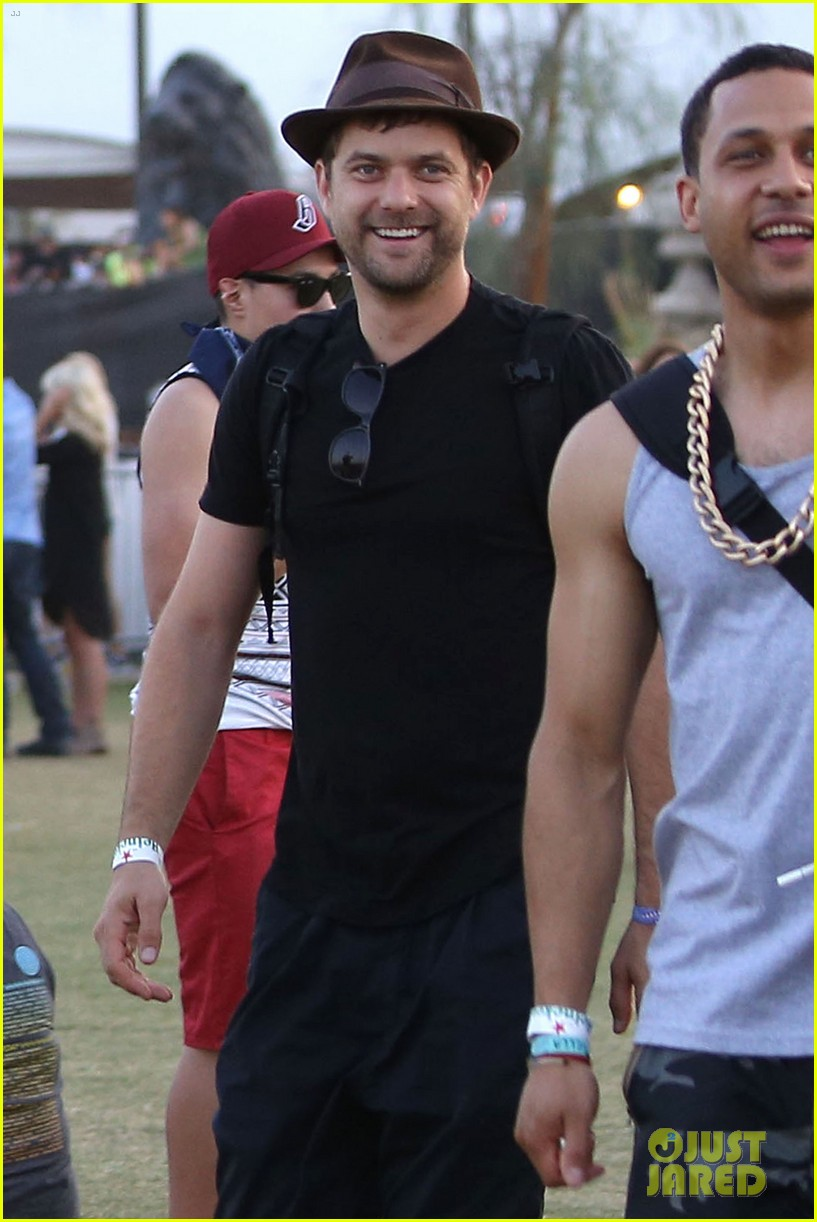 joshua jackson diane kruger happily wrap up their weekend at coachella 043096030