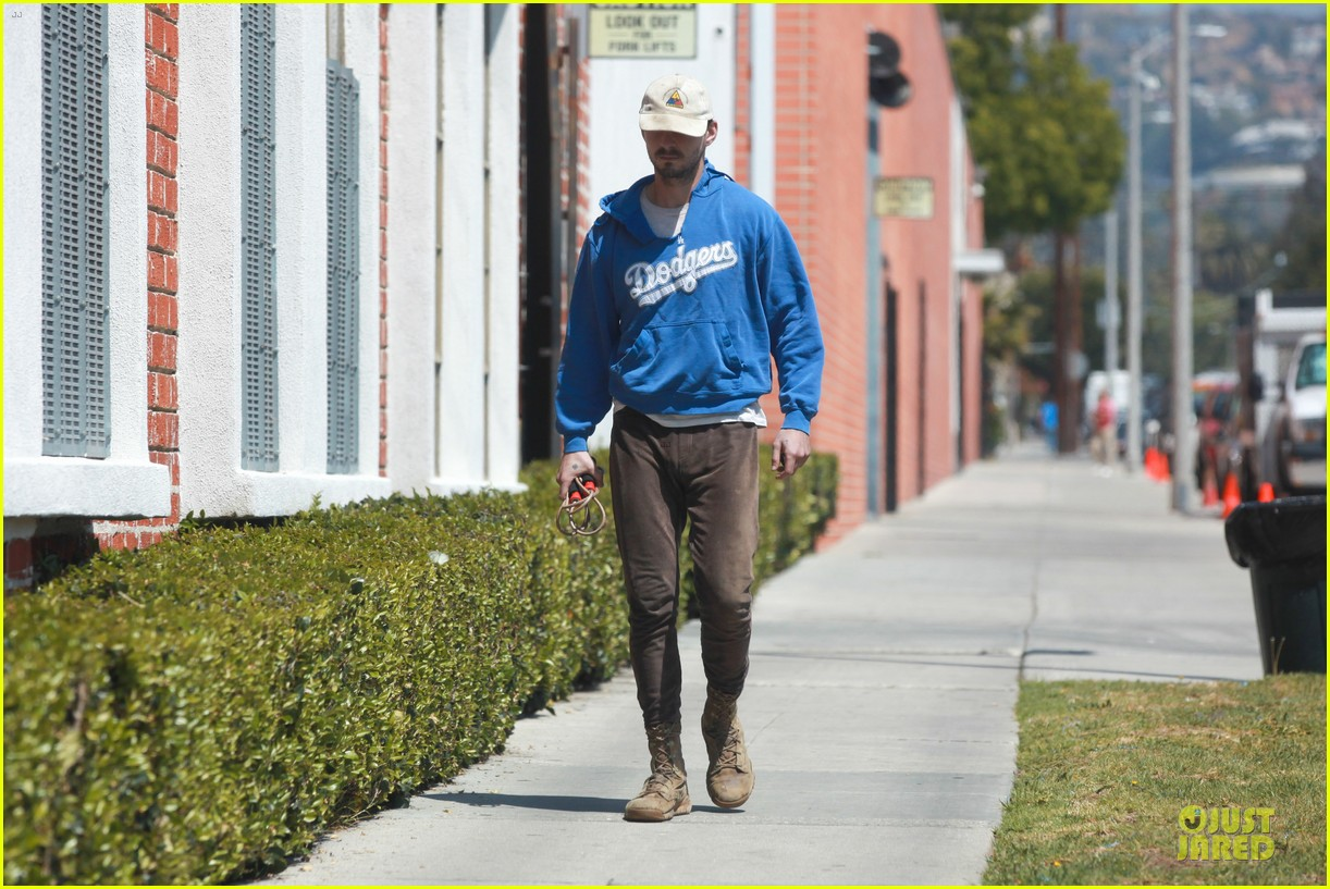 shia labeouf roots for la dodgers 093093470