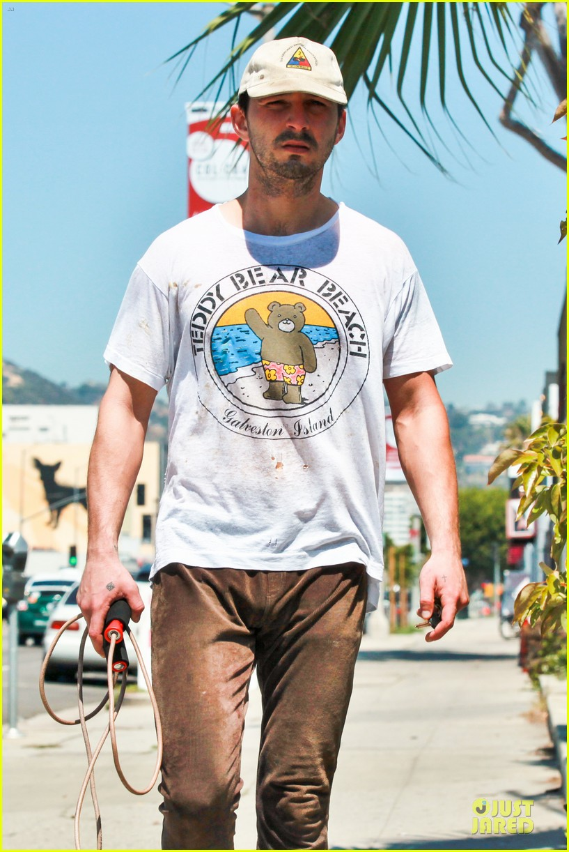 shia labeouf exits rock the kasbah 023089242