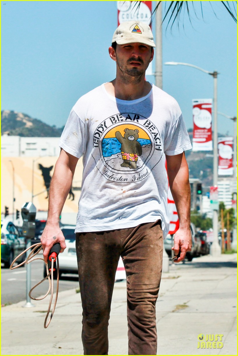 shia labeouf exits rock the kasbah 083089248