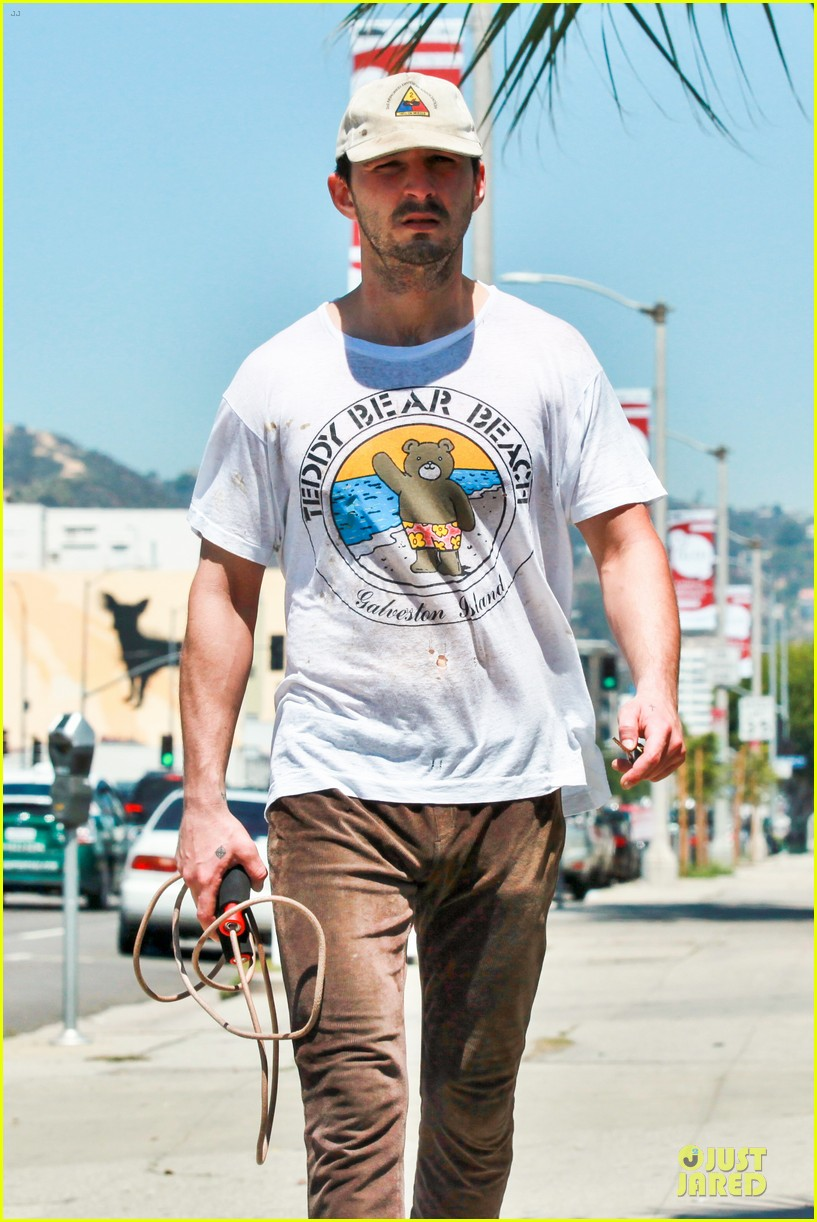 shia labeouf exits rock the kasbah 15