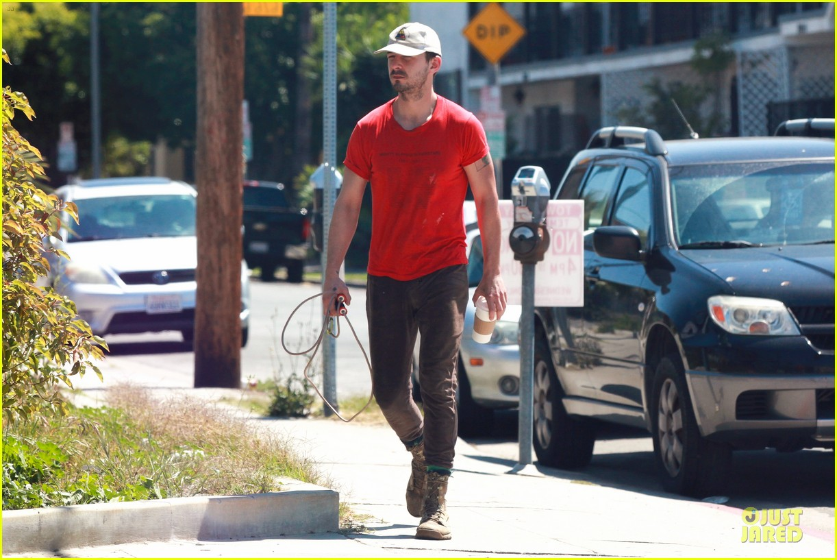 shia labeouf work out with jump rope exercises 043092357
