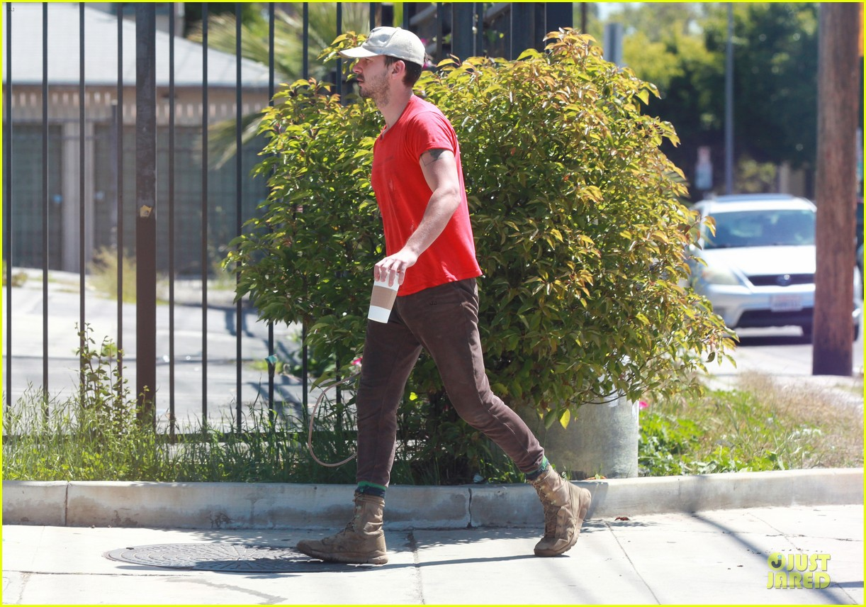 shia labeouf work out with jump rope exercises 073092360