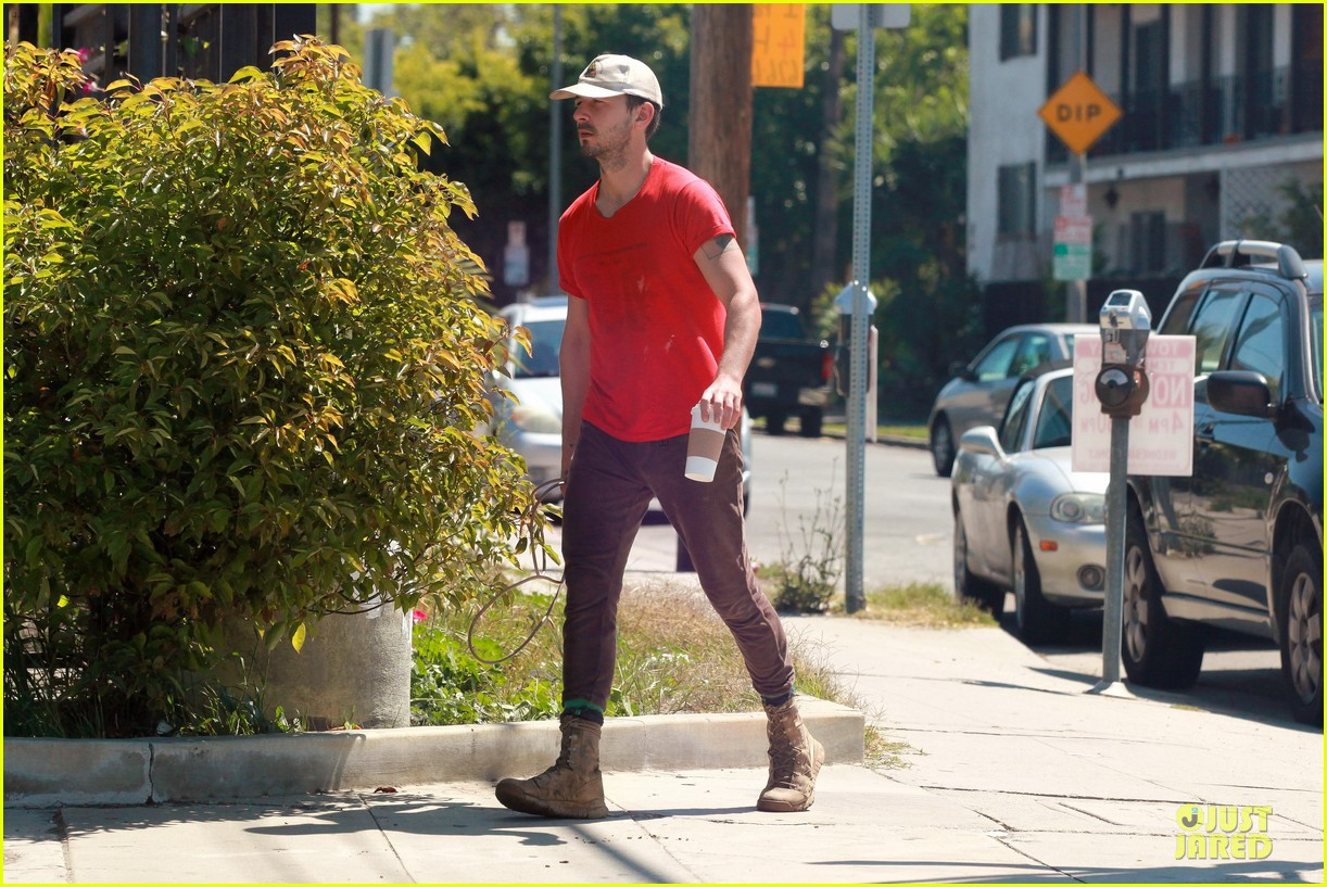 shia labeouf work out with jump rope exercises 083092361