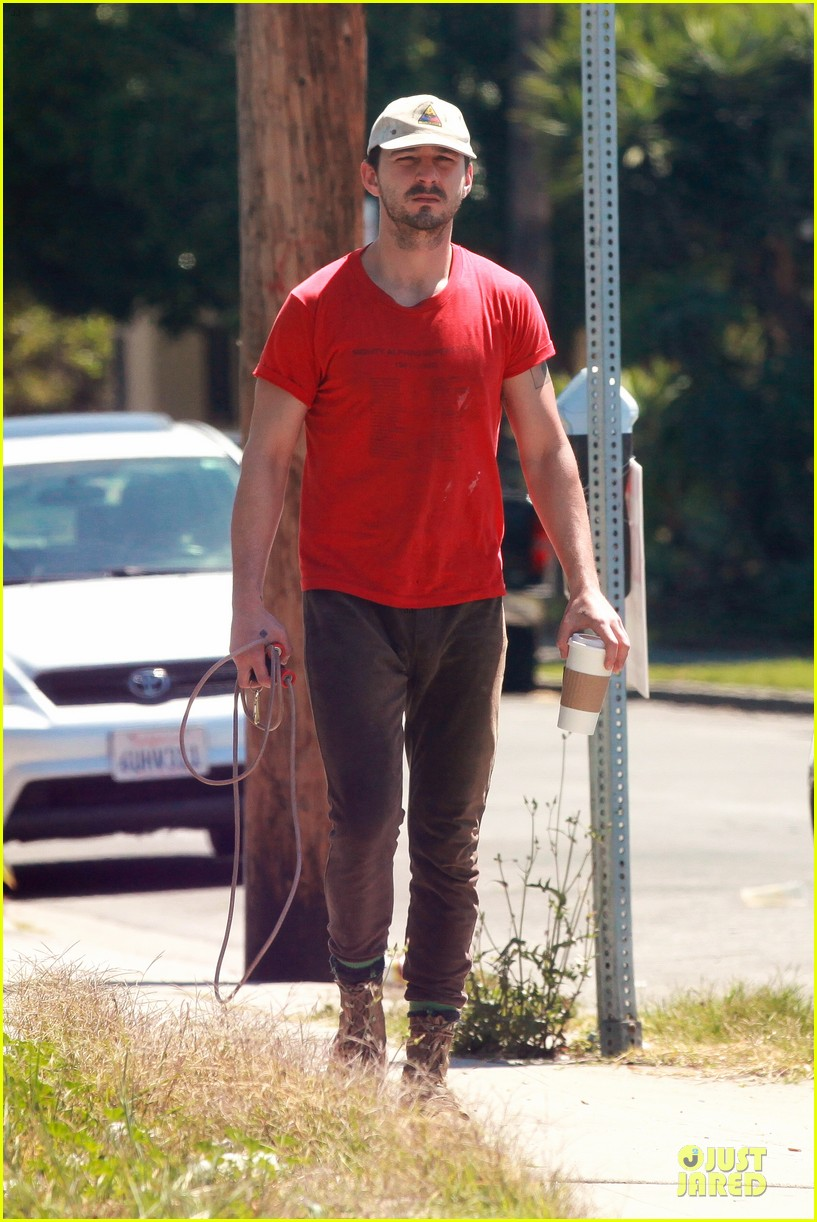 shia labeouf work out with jump rope exercises 133092366
