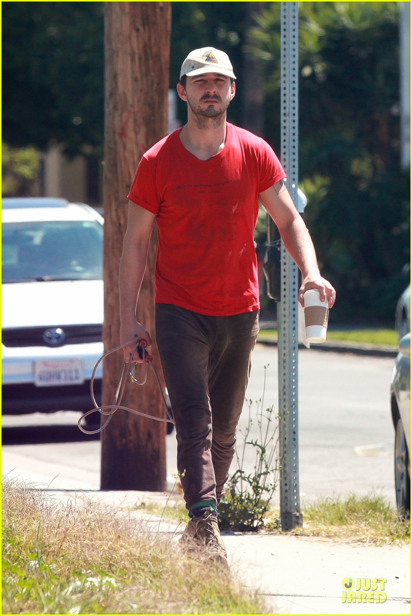 shia labeouf work out with jump rope exercises 153092368