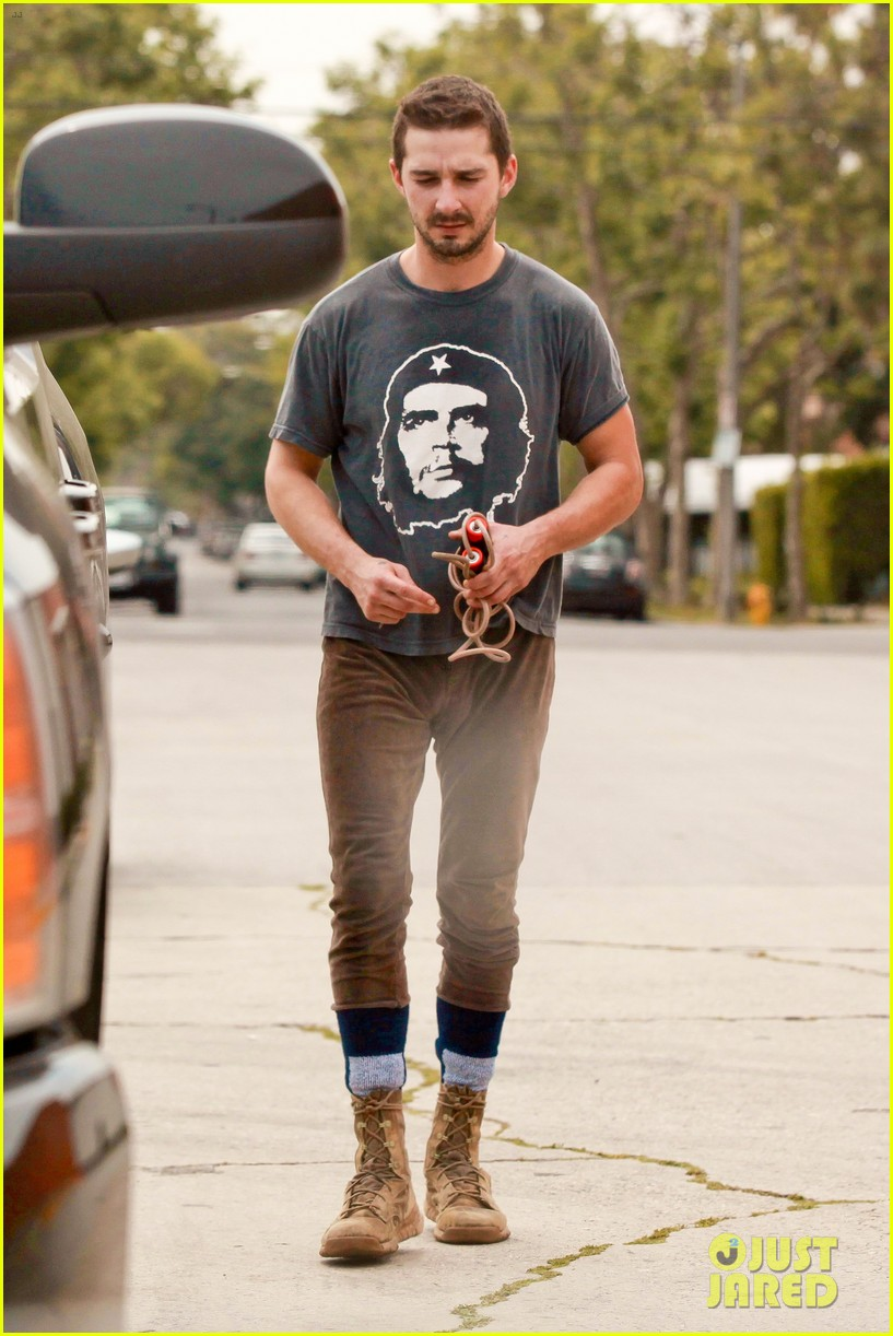 shia labeouf sues his uncle for another 200000 053101189
