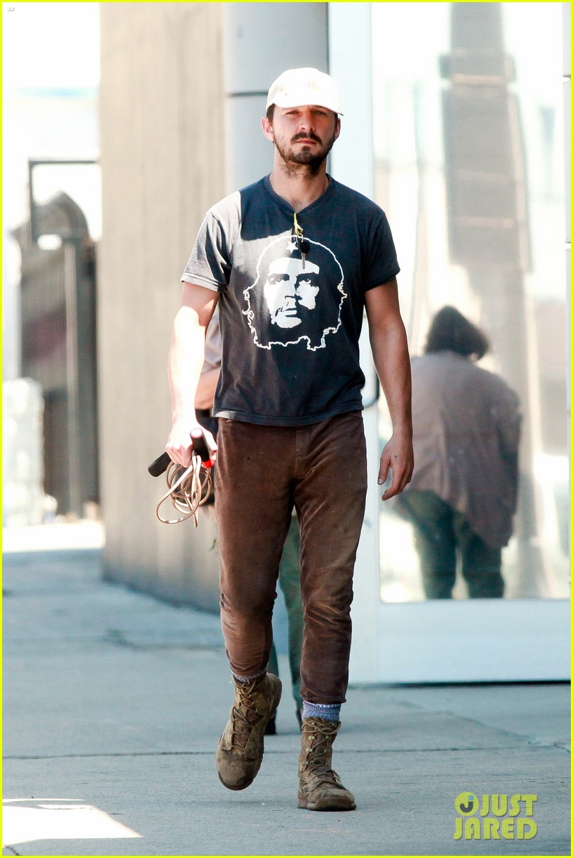 shia labeouf sues his uncle for another 200000 083101192