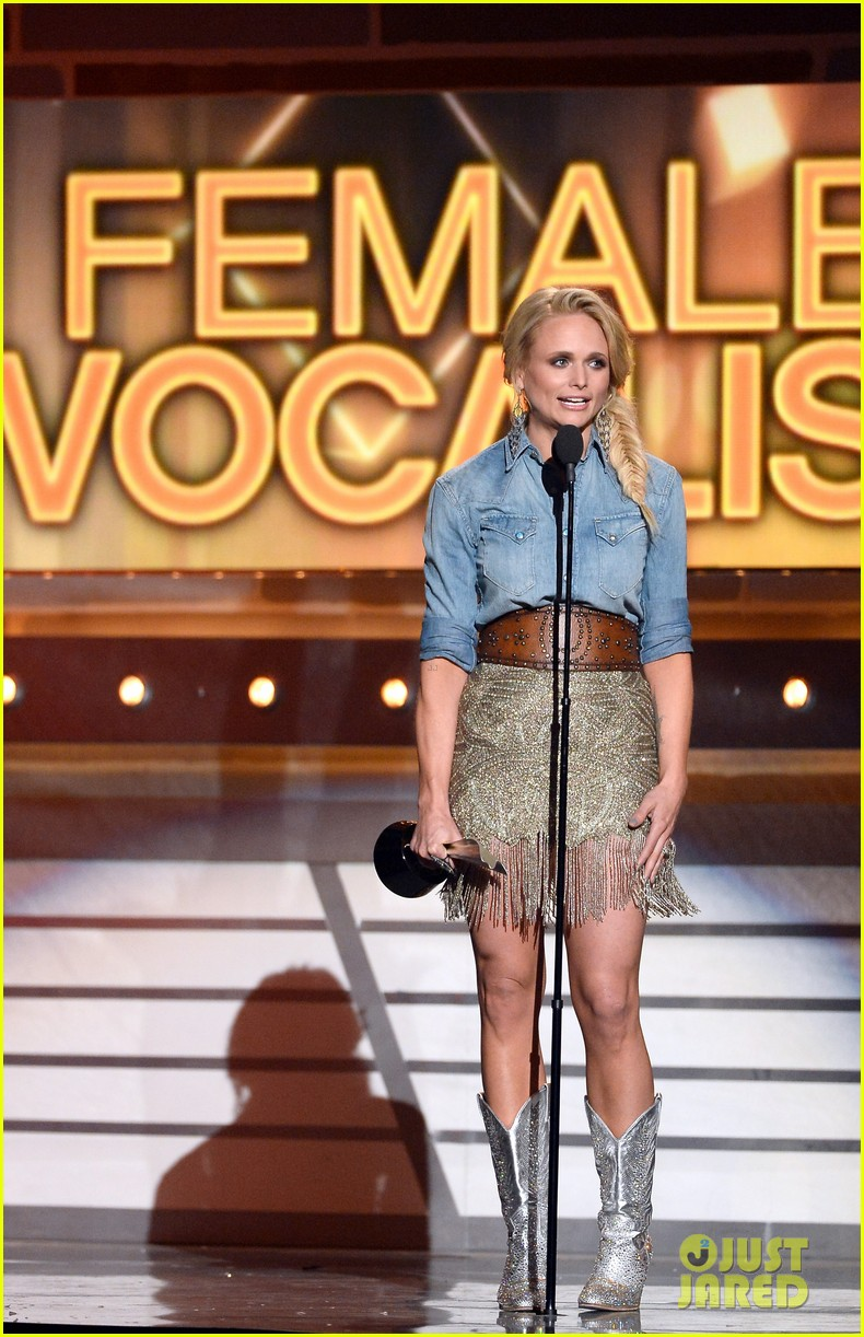 miranda lambert changes dresses to celebrate three wins at acm awards 2014 063086109