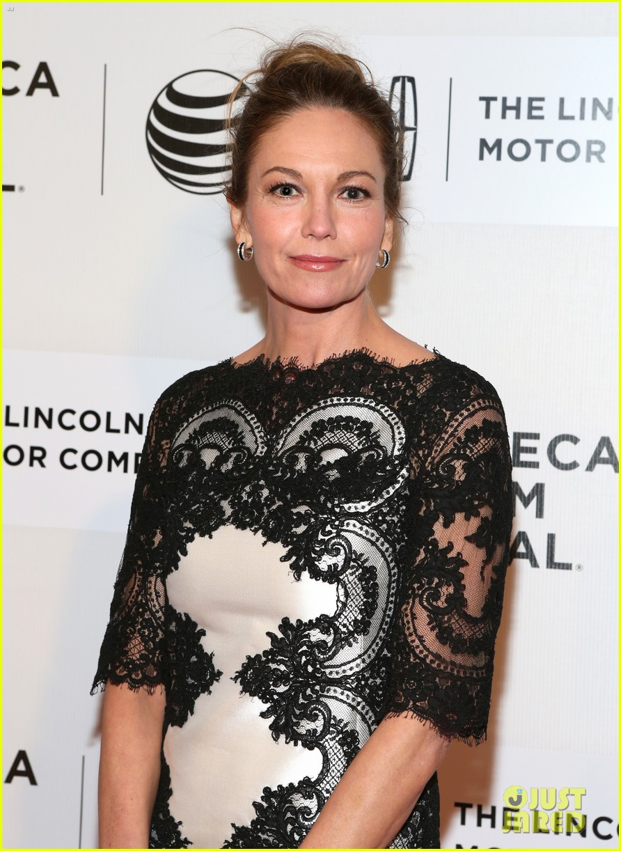 diane lane hasnt had a chance to feel batman costume yet 023096279