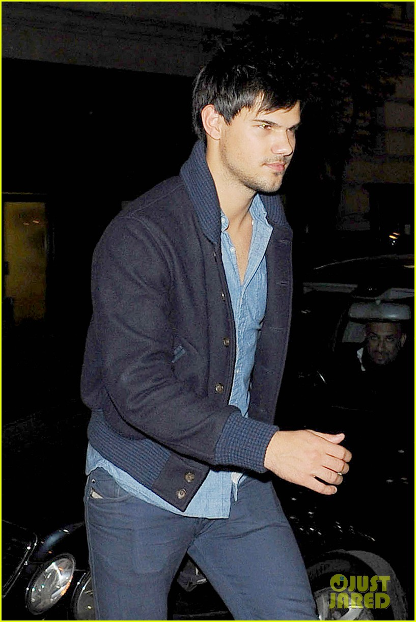 taylor lautner negotiations run the tide 013090266