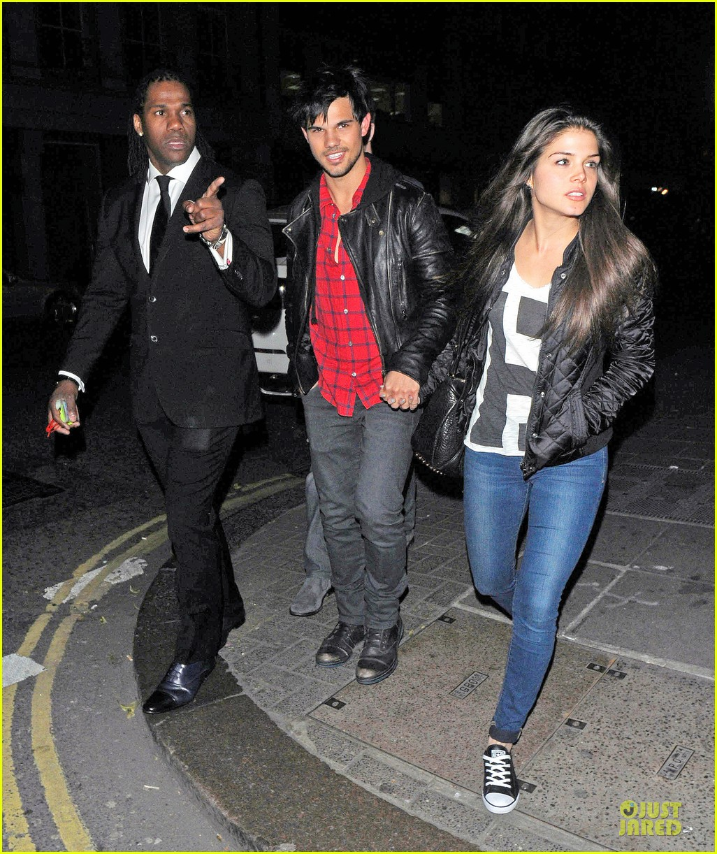 taylor lautner marie avgeropoulos inseparable london 043092528
