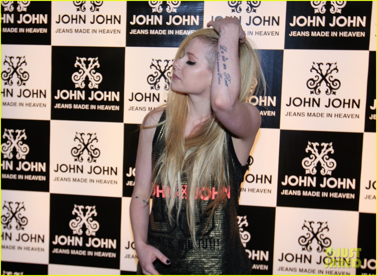 avril lavigne attends event in rio after music video controversy 133101952