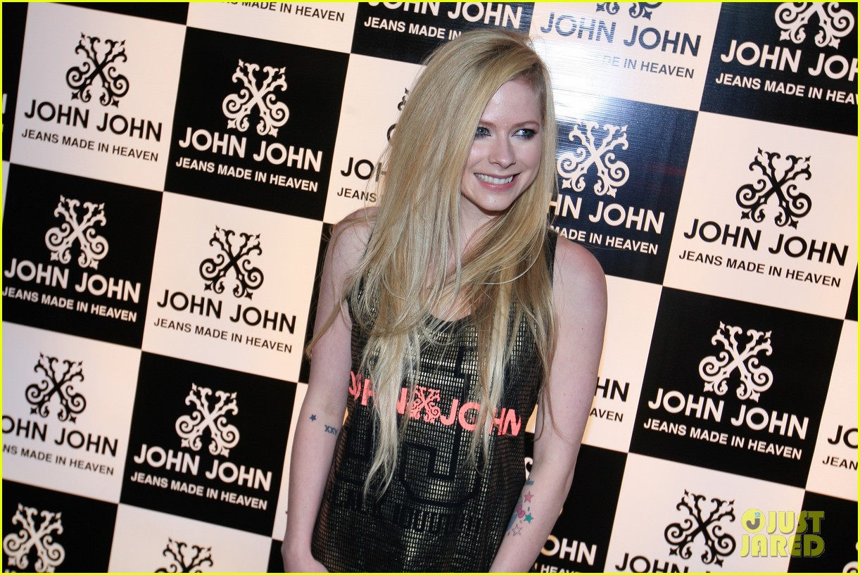avril lavigne attends event in rio after music video controversy 163101955