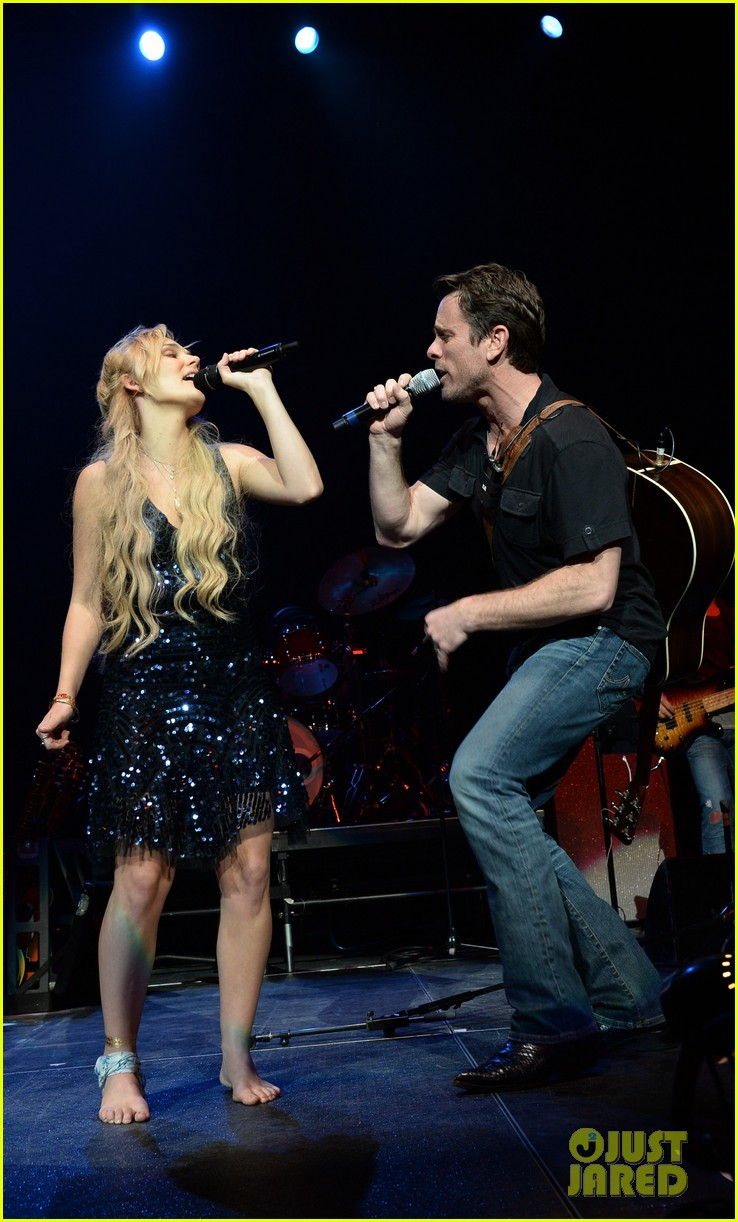 nashville lennon stella leaves prom early to sing at concert 143100128