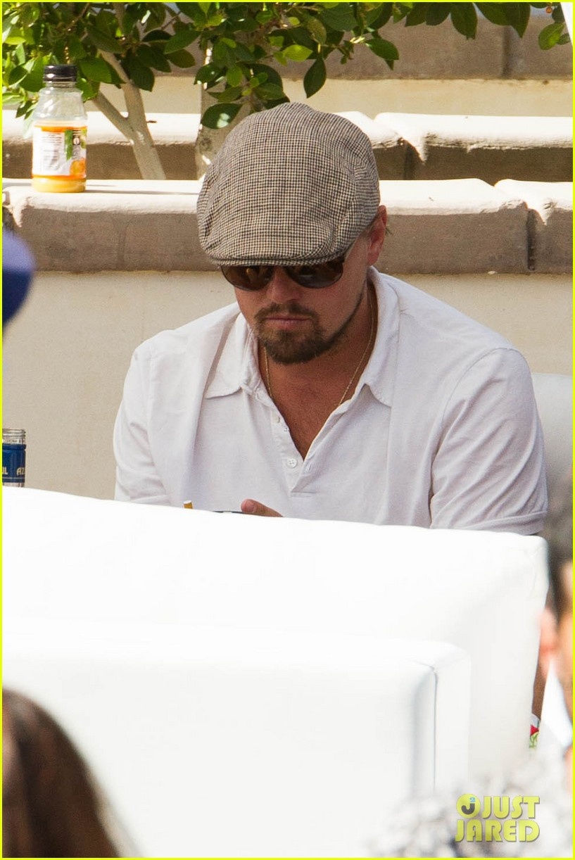 leonardo dicaprio plays cool coachella pool party 063090590