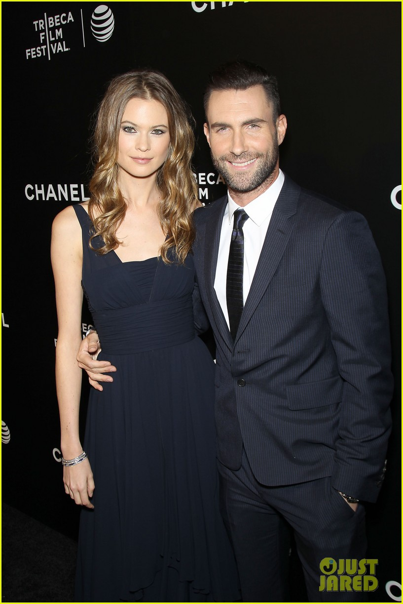 adam levine behati prinsloo party the night away at tribeca 043099957