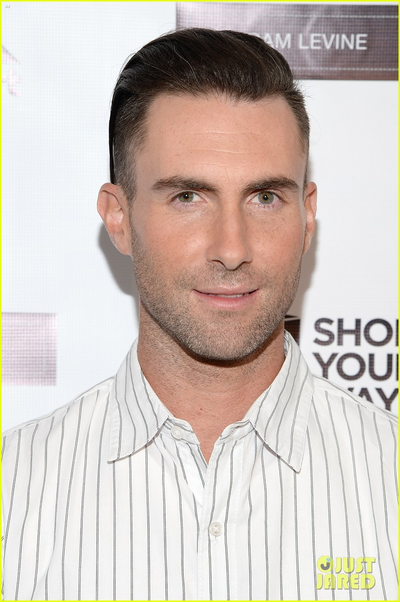 adam levine celebrates launch of new womens summer collection 083094413