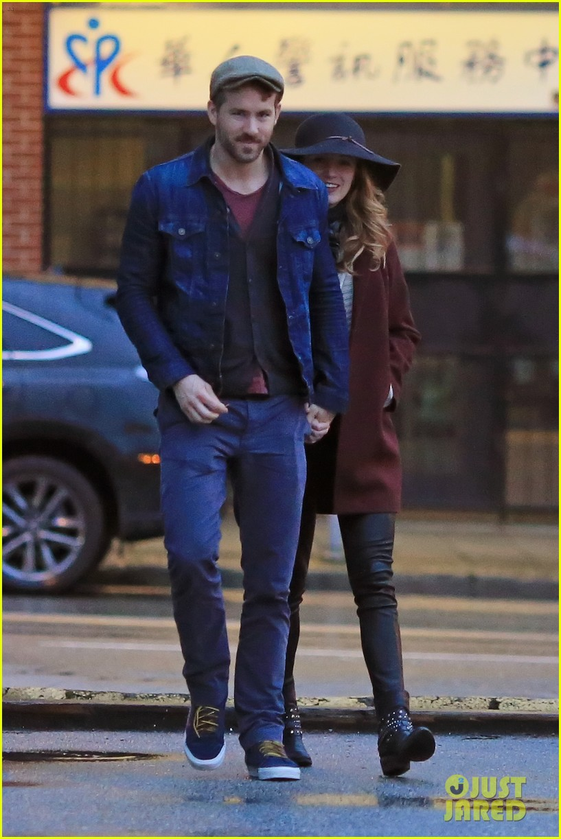 blake lively ryan reynolds hold hands most adorable couple 183086058