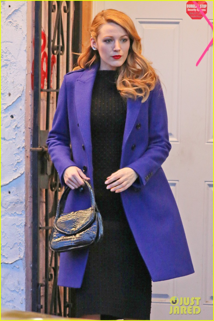 blake lively trades her classic age of adaline clothes 093102075