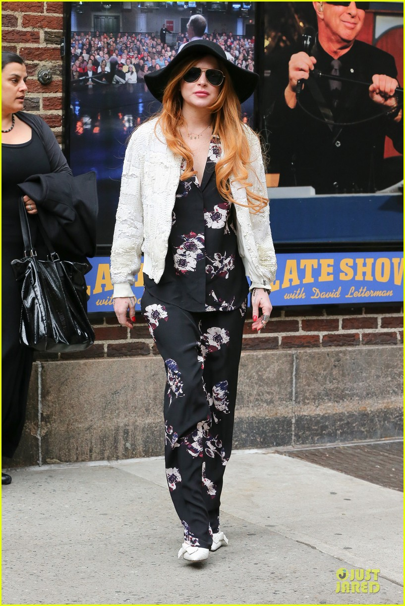 lindsay lohan brings music letterman 10