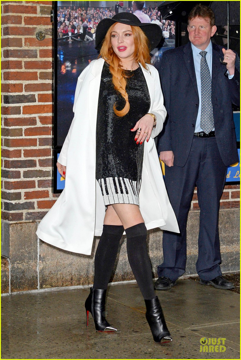 lindsay lohan brings music letterman 143086509