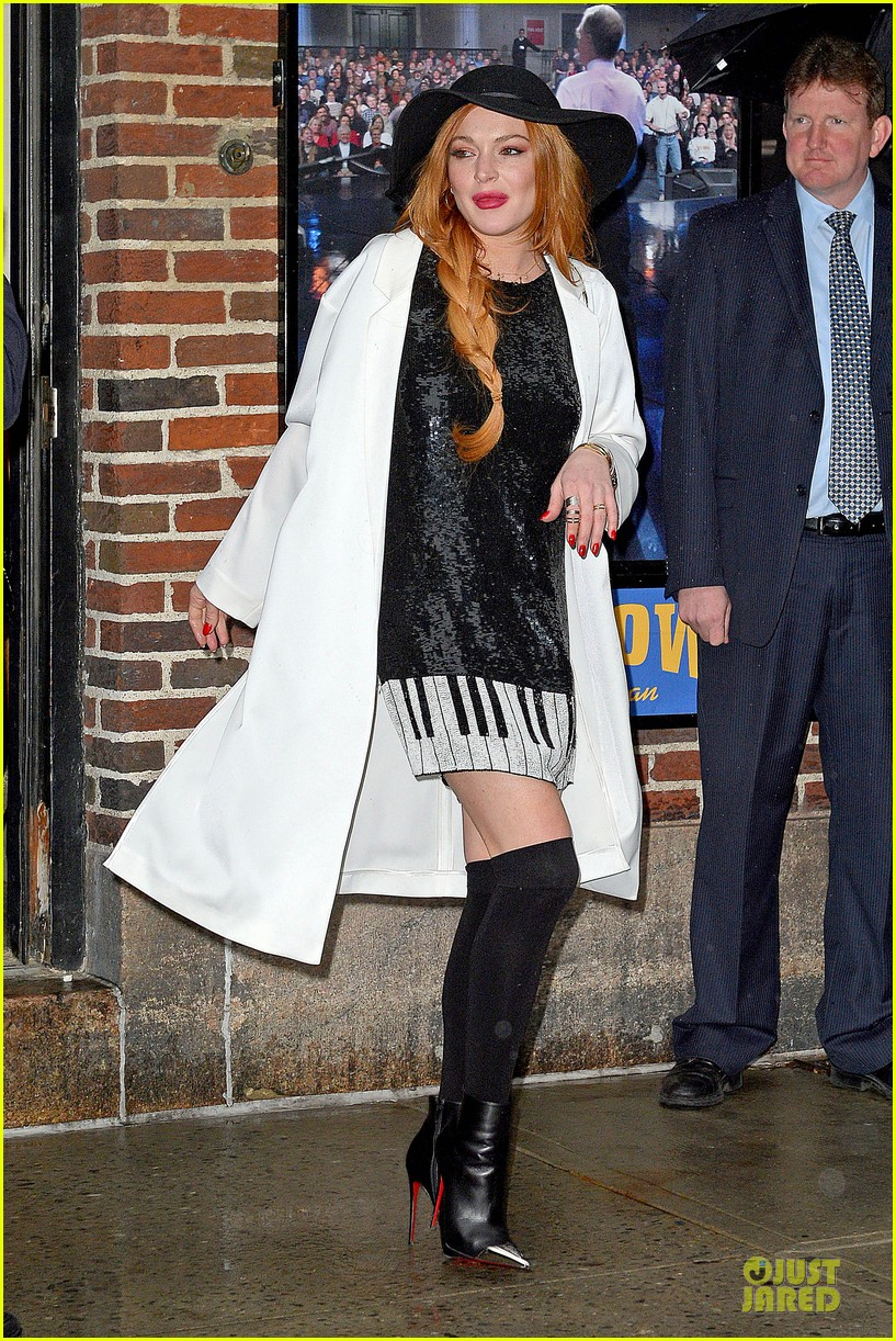 lindsay lohan brings music letterman 163086511