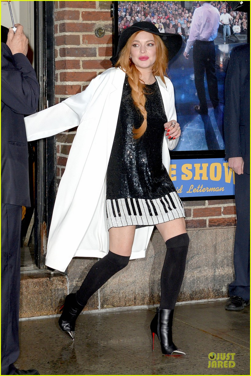 lindsay lohan brings music letterman 203086515